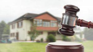 Inviolabilidad del domicilio, flagrancia delictiva y el delito de desobediencia