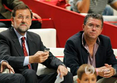 Mariano Rajoy y Francisco Granados (Reuters)