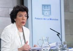 La ministra de Educación y Formación Profesional y portavoz del Gobierno en funciones, Isabel Celaá, durante su intervención en la rueda de prensa posterior al Consejo de Ministros.
