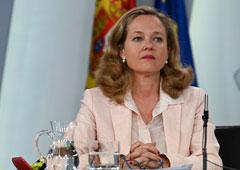 La ministra de Economía y Empresa en funciones, Nadia Calviño, durante la rueda de prensa posterior al Consejo de Ministros.