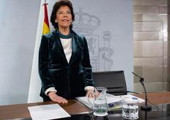 La ministra de Educación y Formación Profesional y portavoz del Gobierno en funciones, Isabel Celaá, momentos antes de comenzar la rueda de prensa posterior al Consejo de Ministros.