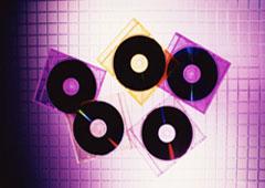 Unos CDs apilados