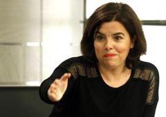 La vicepresidenta del Gobierno en funciones, Soraya Sáenz de Santamaría, durante la rueda de prensa posterior al Consejo de Ministros
