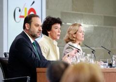 José Luis Ábalos, Isabel Celaá y Nadia Calviño