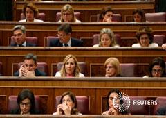 Los diputados asisten a la primera sesión del parlamento después de una elección general en Madrid, España, el 21 de mayo de 2019