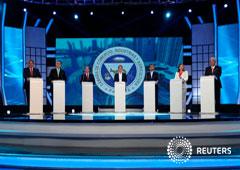 Imagen de archivo de los candidatos a la presidencia de Panamá Saul Mendez, Marco Ameglio, Laurentino Cortizo, Romulo Roux, Ricardo Lombana, Ana Matilde Gomez, y Jose Blandon en un debate en la Cámara de Comercio de Panamá, el 10 de abril de 2019