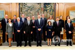 Rajoy posa con sus ministros en el Palacio de la Zarzuela el 4 de noviembre de 2016