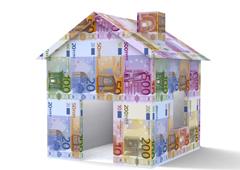 Una casa hecha con billetes de euro