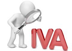 Muñeco con lupa y la palabra IVA