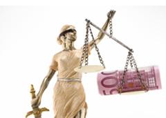 Balanza justicia con dinero