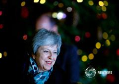 Foto del miércoles de la primera ministra vritánica Theresa May llegando a Downing Street 10, en Londres
