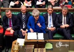 La primera ministra británica, Theresa May, habla durante una moción de censura en el Parlamento británico en Londres. 16 de enero de 2019