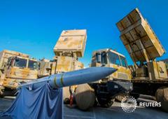 Foto de archivo. El sistema de defensa de misiles Bavar-373, elaborado en Irán, es presentado en el Día Nacional de la Industria de la Defensa en Teherán, Irán, 22 de agosto de 2019.