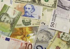 Billetes de diferentes monedas del mundo