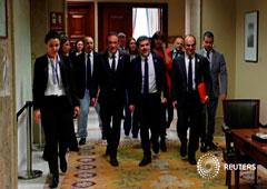 Los políticos catalanes encarcelados Josep Rull, Jordi Sánchez y Jordi Turull se marchan tras recibir sus credenciales parlamentarias en el Parlamento español, en Madrid, España, el 20 de mayo de 2019
