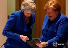 Noticias Principales 11 de abril de 2019 / 7:41 / hace 4 horas La UE da a May un aplazamiento flexible del Brexit hasta el 31 de octubre Por Gabriela Baczynska, Michel Rose y Clare Roth 4 MIN. DE LECTURA BRUSELAS (Reuters) - Los líderes de la Unión Euro