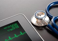Tablet y fonendoscopio