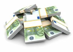 Tacos de billetes de 100 euros