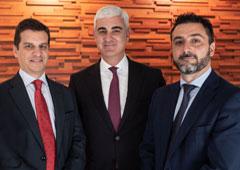 De izquierda a derecha: Ricardo Alcaide, Rafael Asuar y Fernando Toledo