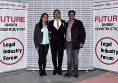 Katie Deeg (University of California, Berkeley), Jean-Luc Delli (el organizador del evento) y Ricardo Oliva León.