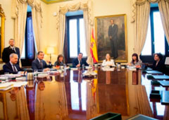 El Salón de Ministros ha acogido la reunión de la Mesa de la Diputación Permanente de este 13 de marzo
