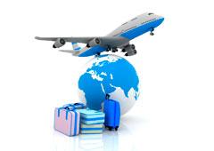 Bola del mundo, maletas y avión