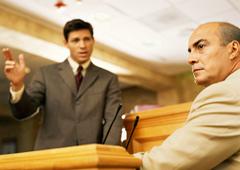 Un interrogatorio en el banquillo