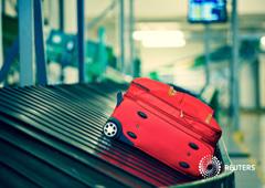 Una maleta roja