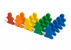 Muñequitos de colores en filas